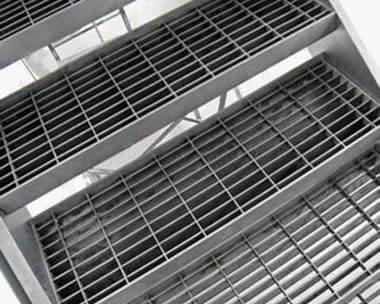 Plain grating ideal for dry regions or applications